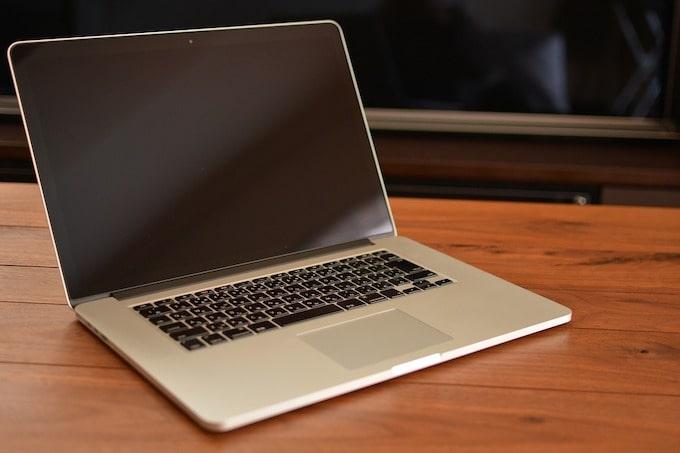 Macのノートパソコン